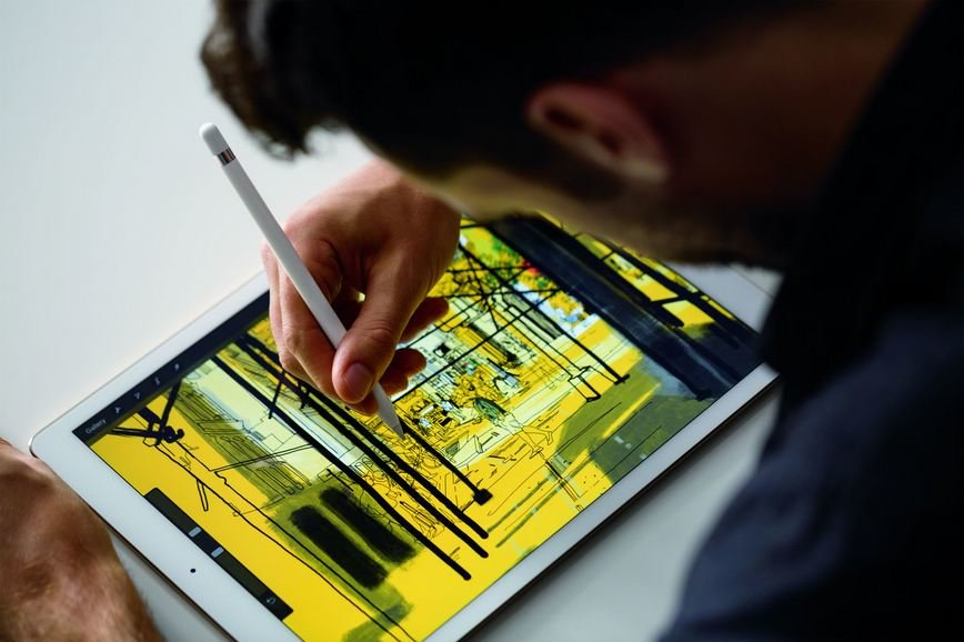 Apple-Pencil How Does Apple Pencil Compared to Other iPad Styluses?